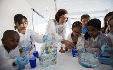 At the Scientist's Apprentice: Cooking Up Science program, kids joined food scientist, Julie Goddard, from the University of Massachusetts, to see what's cooking in a food lab and just how much science you need to know in this yummy apprentice program.